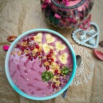 Raspberrylicious Smoothie Breakfast Bowl