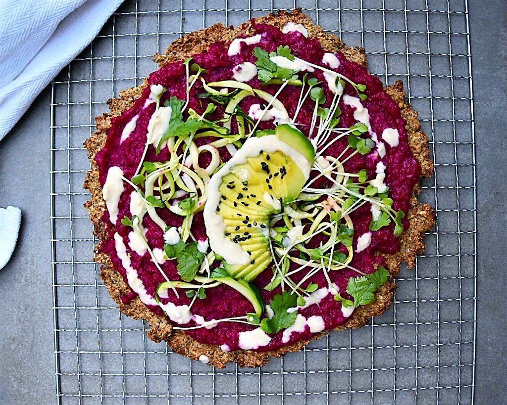 Glutenfree vegan beet pizza