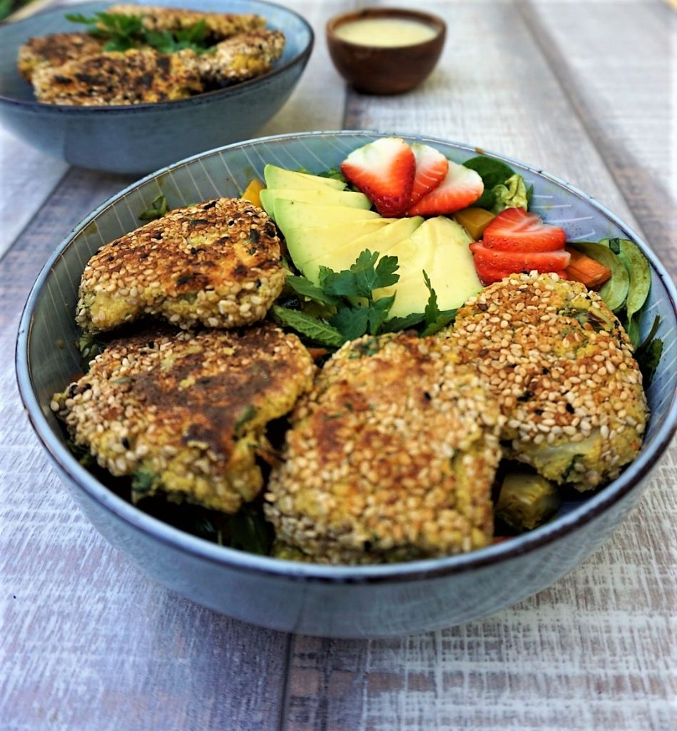 Oilfree easy falafel with mint and sesame