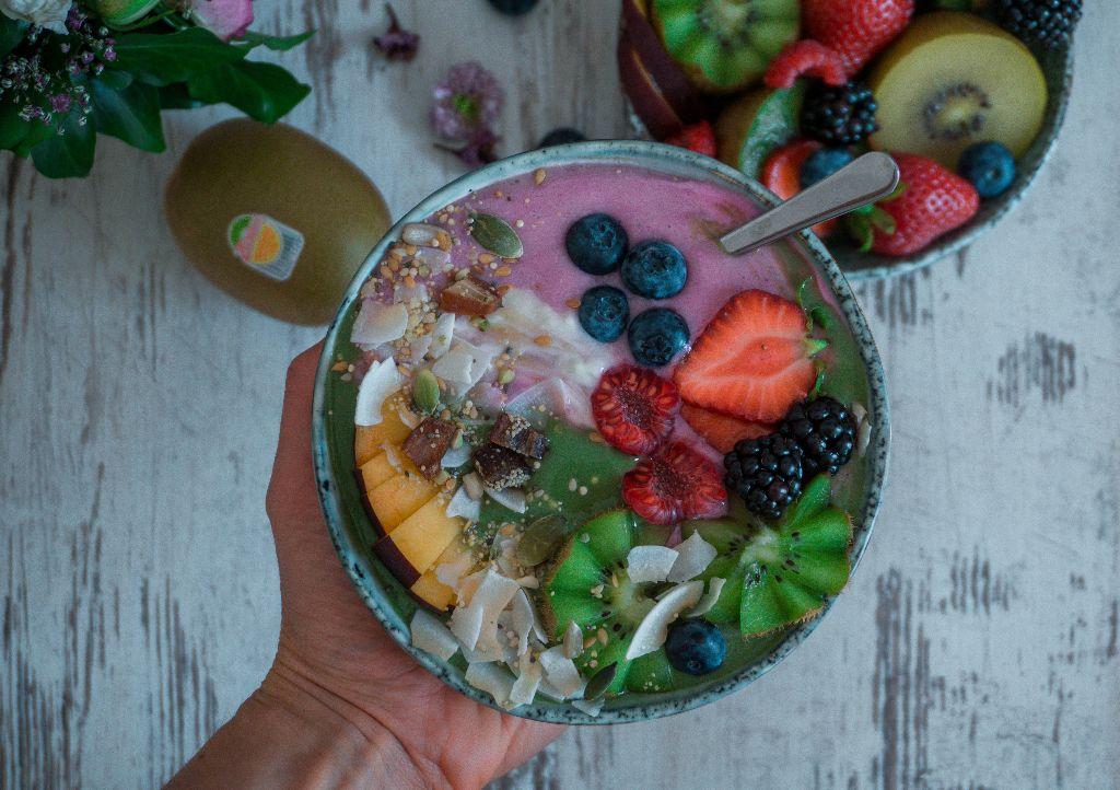 Kiwi Strawberry Smoothiebowl
