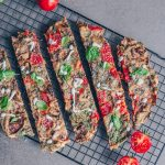 Simplest and quickest Pizza – vegan shaking pizza