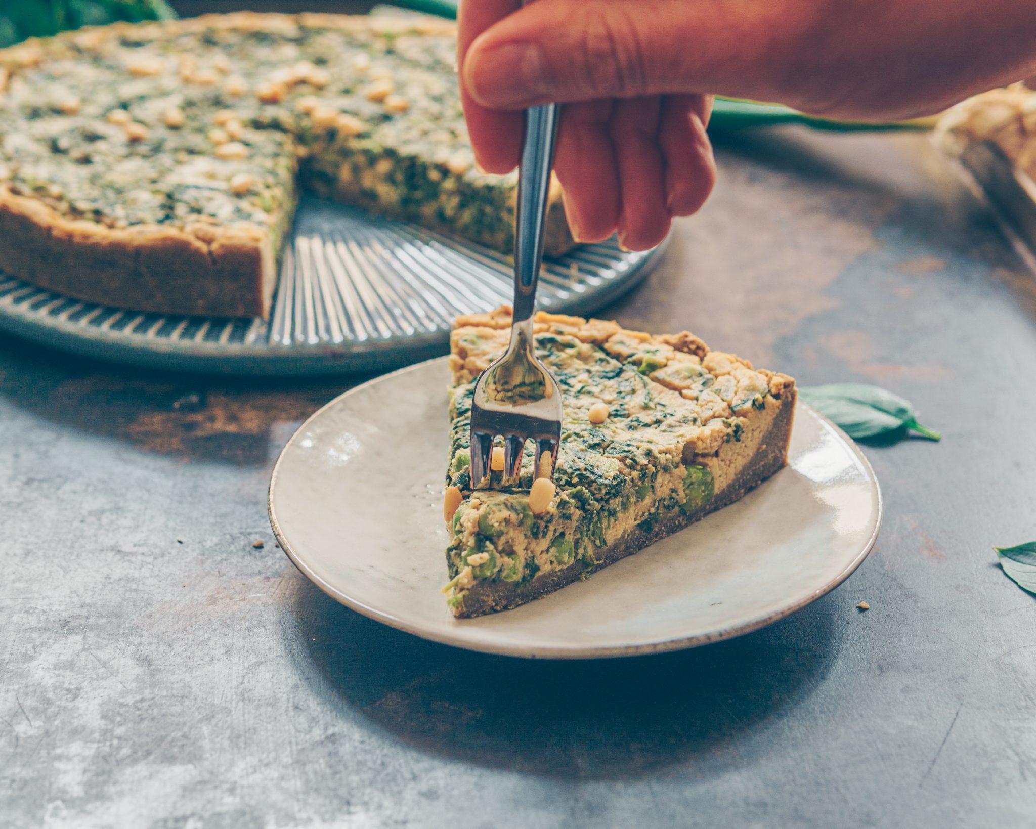 vegan spinach quiche - teff crust